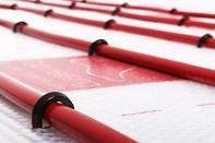 Robustní lomená příchytka Top heating U80L pro podlahové topení 100ks