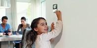Prostorový termostat REHAU Nea Smart - Pokojový termostat (podlahové topení) - bezdrátová verze