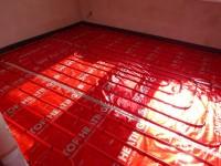 Podlahové topení svépomoc - instalace zákazník Kojetín